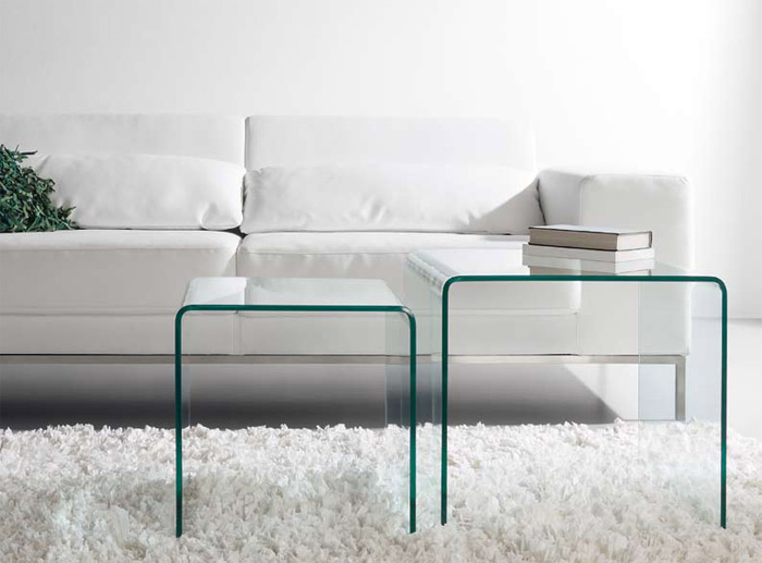Mesas transparentes nido for Mesas de salon de cristal