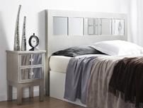 Dormitorio con espejos - Cabecero o mesilla decorado con espejos