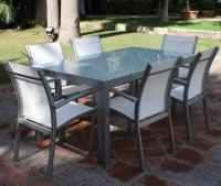 Set de mesa para exterior con sillas - Set de mesa rectangular de exterior con 6 sillas apilables.