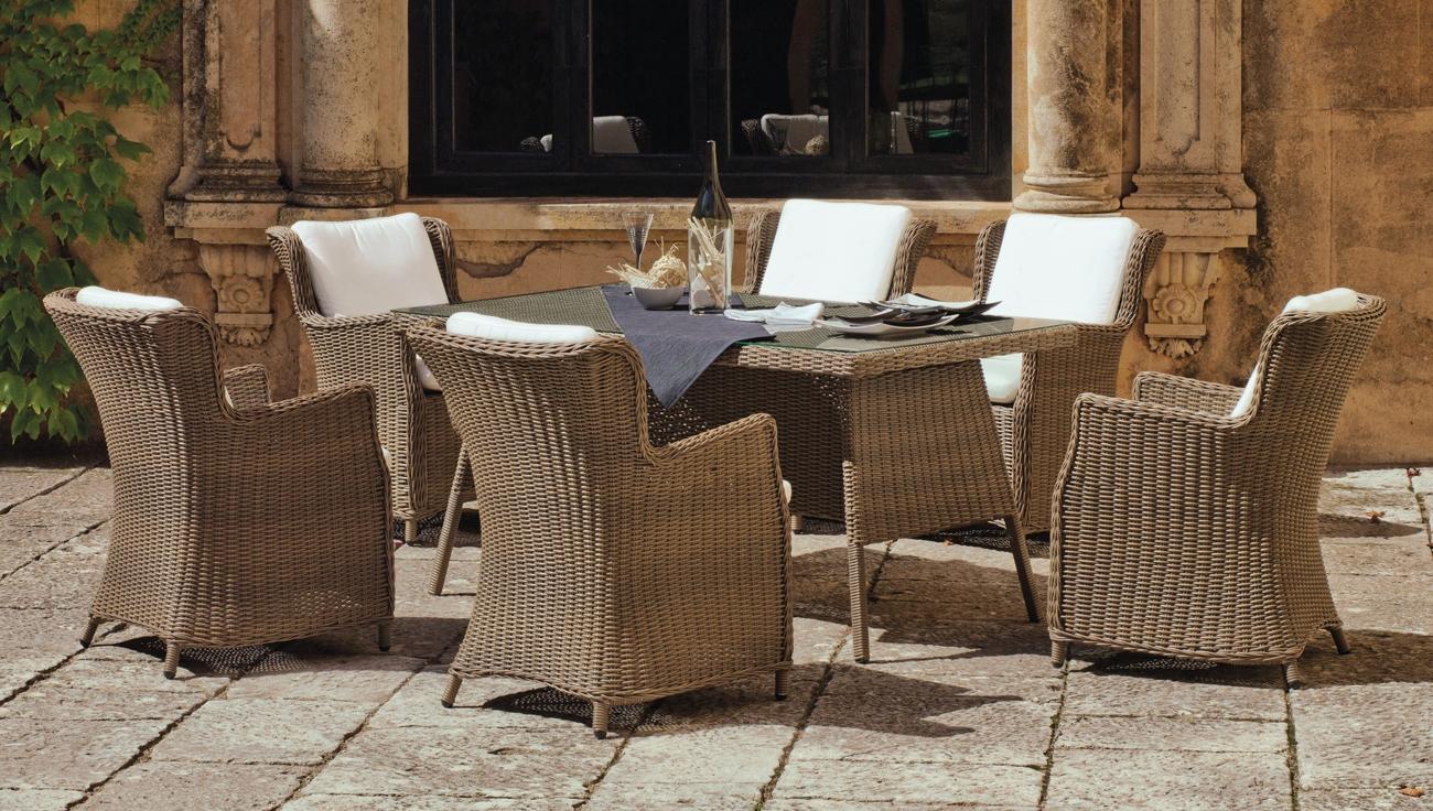 Mia home mesa de comedor de lujo para exteriores malta for Mesas de comedor para exterior