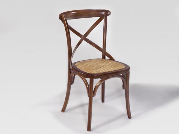 Elegante silla de comedor de madera con asiento acolchado
