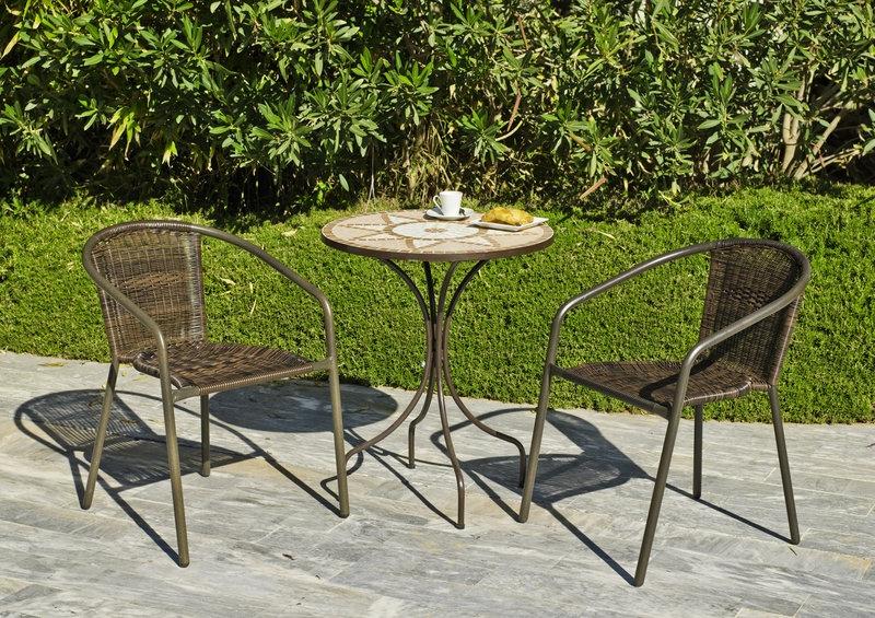 Set sillones y mesa acero exteriores 3 - Sillones apilables
