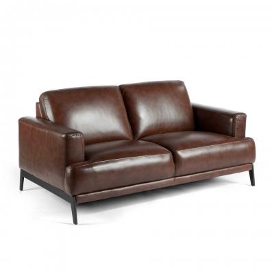 Sofá tapizado en piel de 2 mm de espesor con patas de acero inoxidable