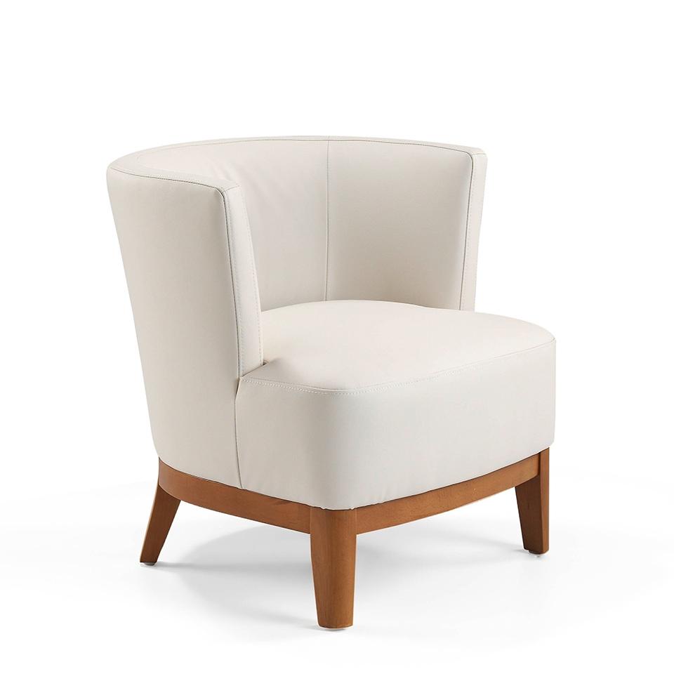 Sillón A773 - Sillón A773, Sillón tapizado en piel con patas de madera color Nogal