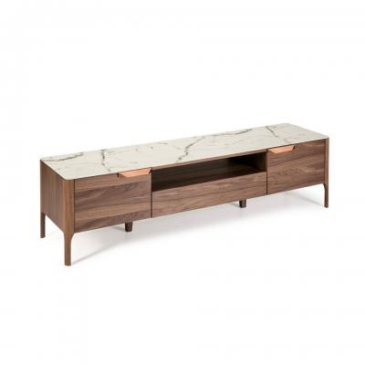 Mueble de TV fabricado en madera chapada en nogal