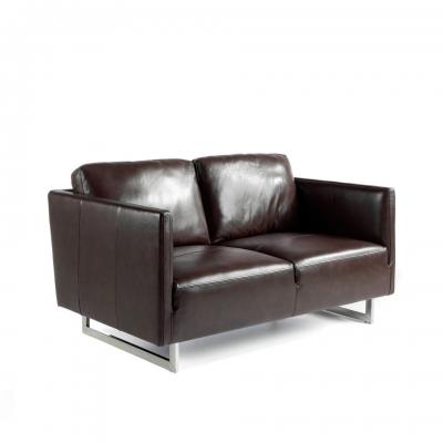 Sofá tapizado en piel con patas de acero inoxidable KF1038