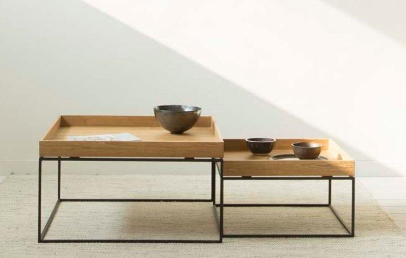 Mesas nido de hierro y madera de teca - Mesas bajas de salón modernas de teca e hierro. Mesas nido