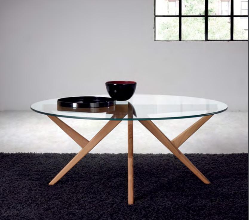Mesa de centro moderna de madera de teca Baladia  - Mesa de centro redonda,  de madera de teca y cristal.