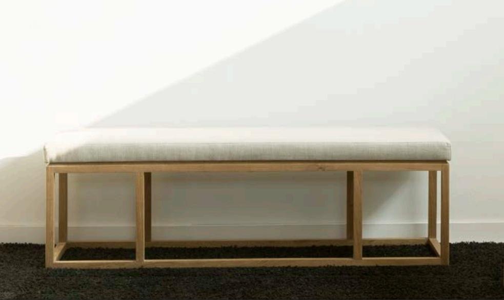 Banco de pie de cama de teca tapizado  - Banco de pie de cama de madera de teca tapizado.