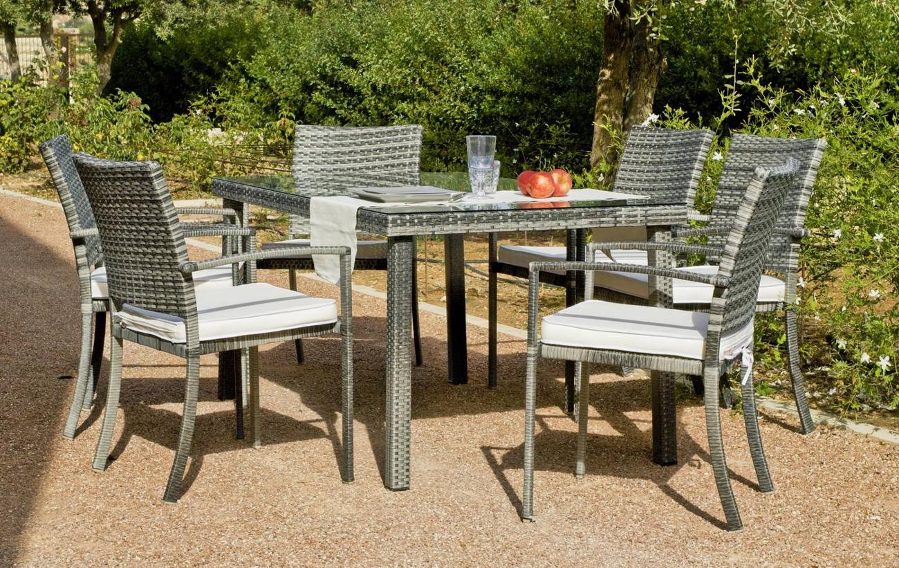 Set mesa de exterior con sillas Rimini 150 - Set formado por una mesa exterior y 4 sillones con cojines. Precios por separado