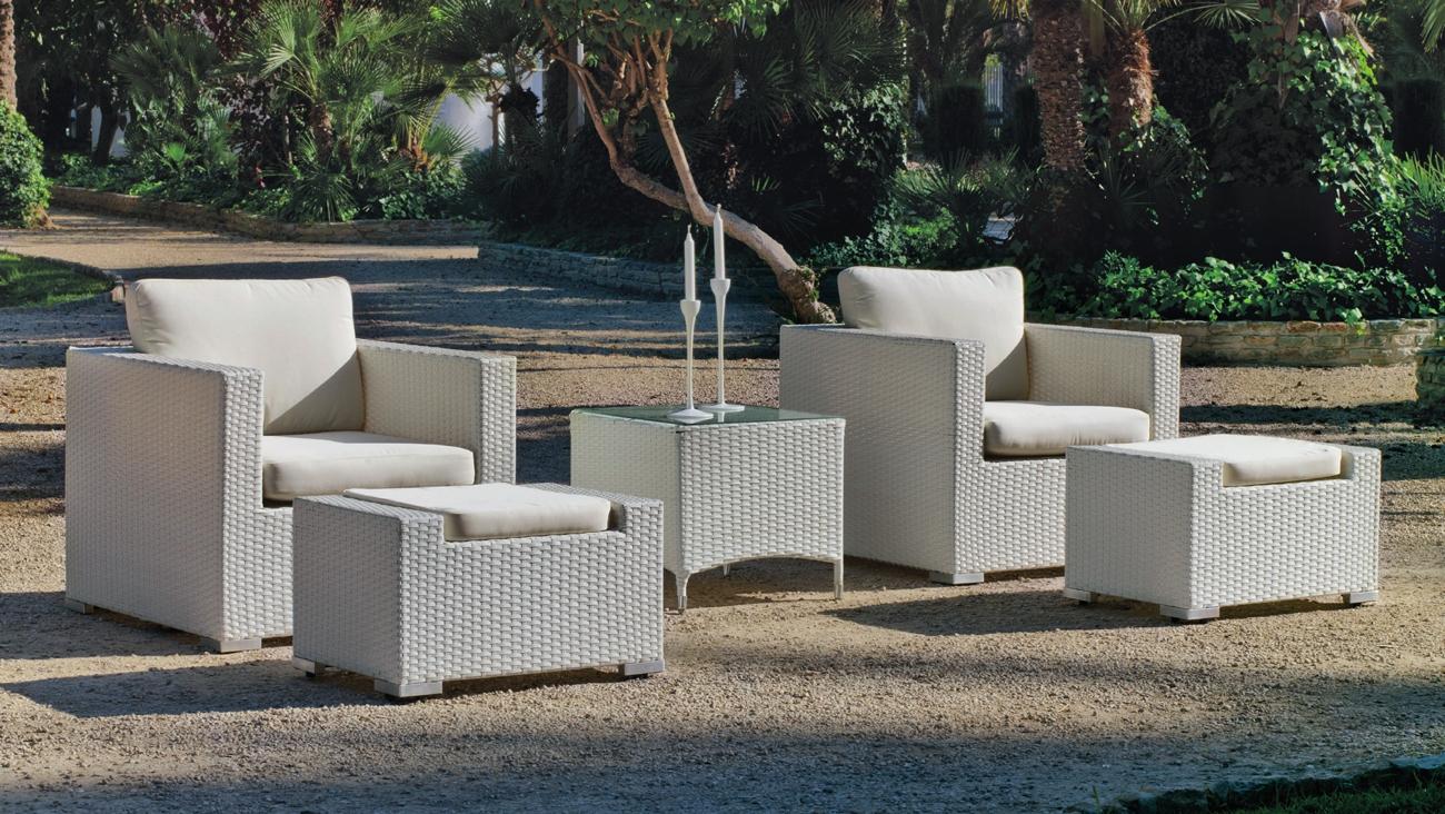 Sofa de exterior Set Huitex Duo 22 - Set de muebles de exterior fabricados con fibra de color claro y con cómodos cojines para disfrutar del buen tiempo.