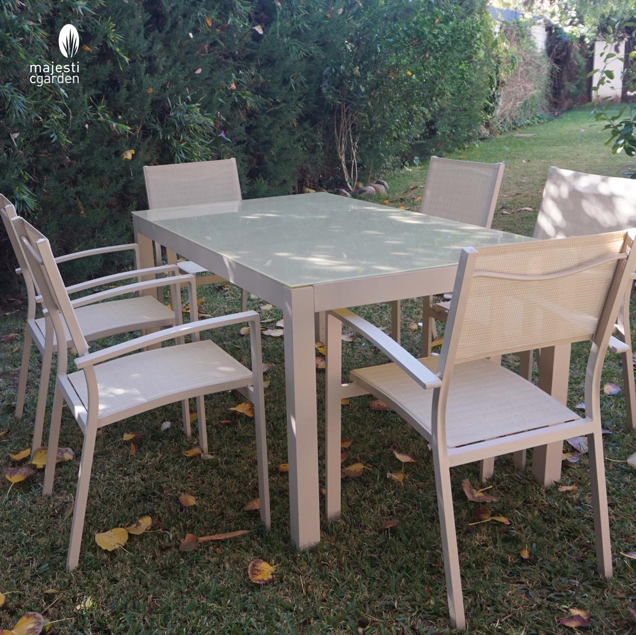 Mesa de comedor Lagar - Conjunto con estructura de aluminio y textiline color blanco, Composición de muebles de jardín o terraza modelo LAGAR de Majestic Garden