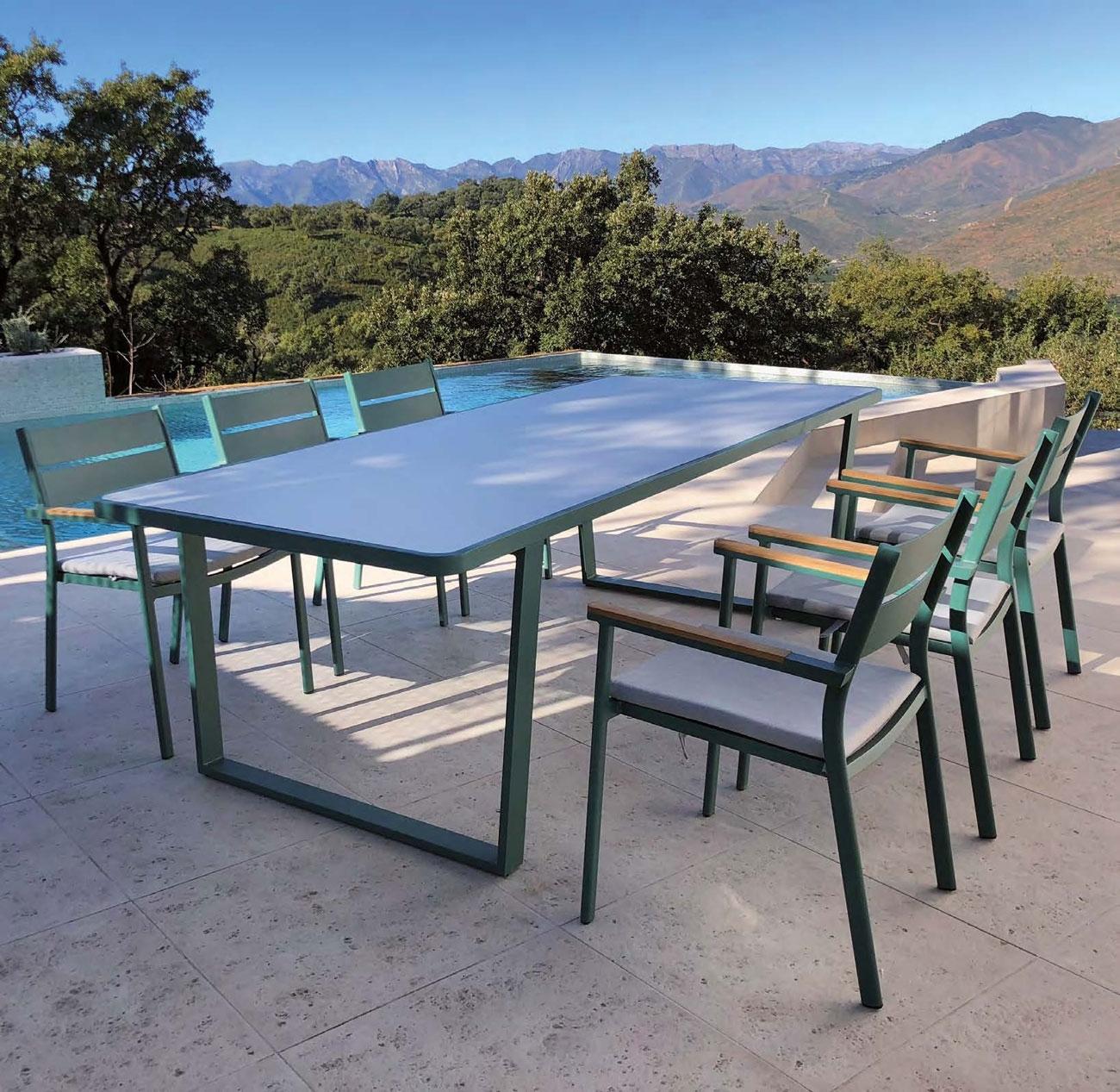 Mesa comedor para exterior o sillones MOSCU - Juego de mesa y sillas para exterior modelo MOSCU de Majestic Garden