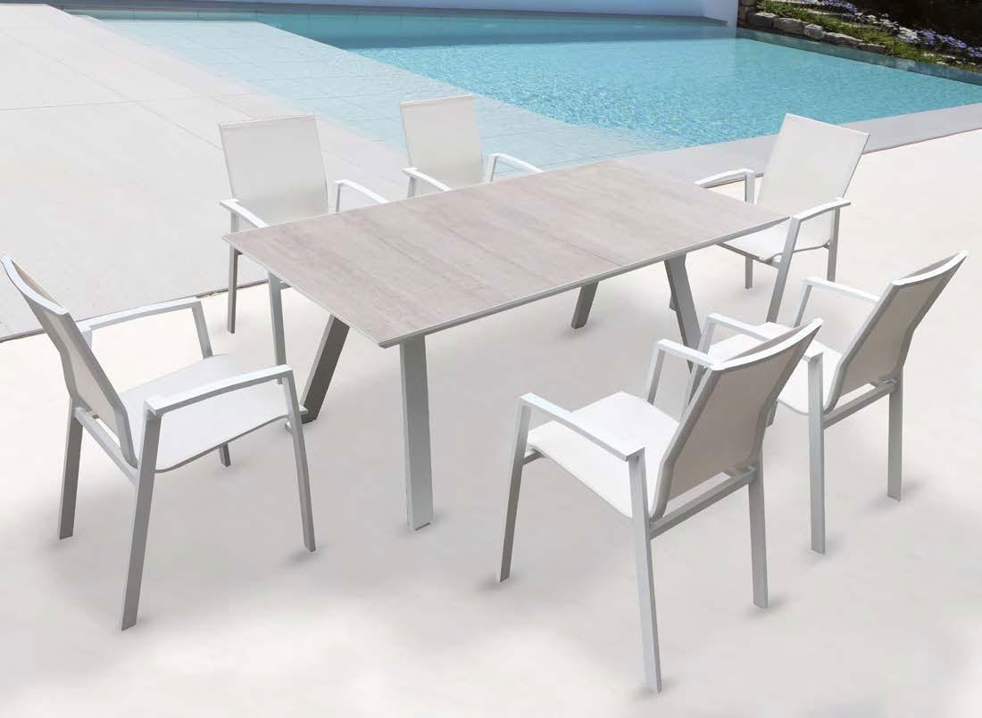 Mesa comedor para exterior o sillones ROSANNA - Juego de mesa y sillas para exterior modelo ROSANNA de Majestic Garden