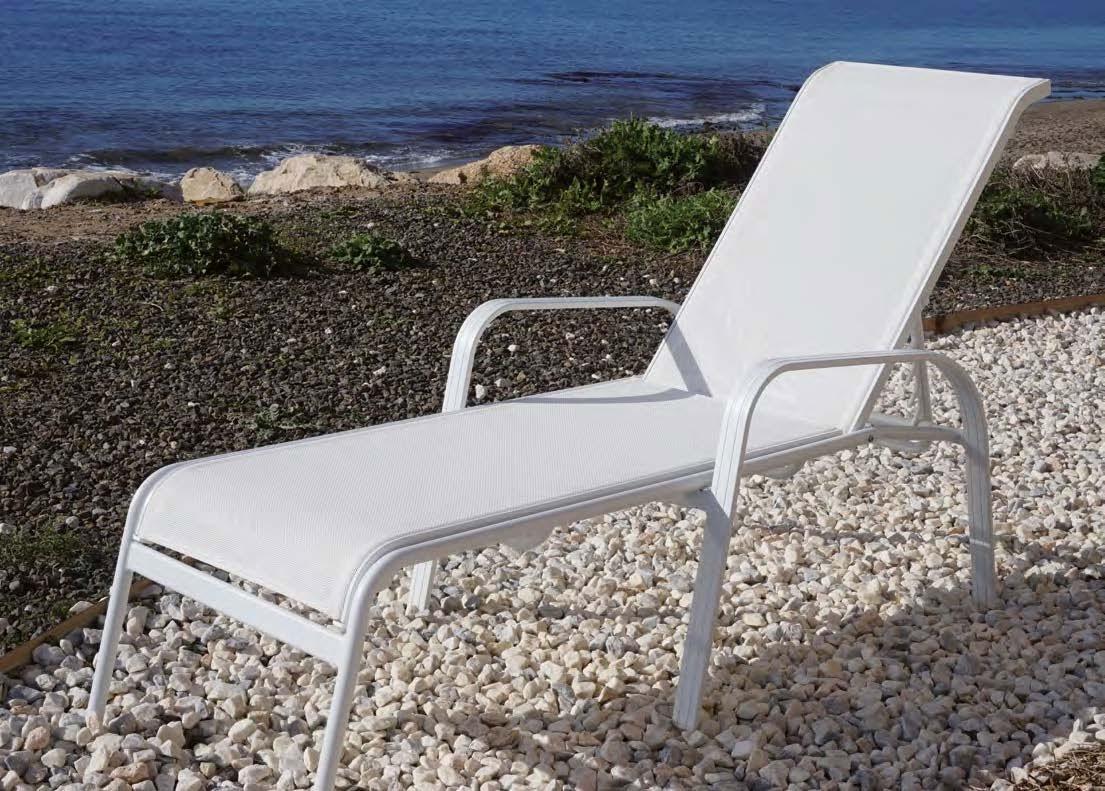 Tumbona Rios - Tumbona apilable fabricada en aluminio y textilene.