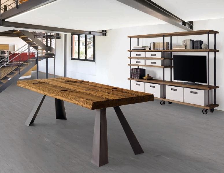 Mesa de comedor con tapa de robre reciclado - Mesa de comedor fabricada en madera de robre viejo reciclado y patas de metal