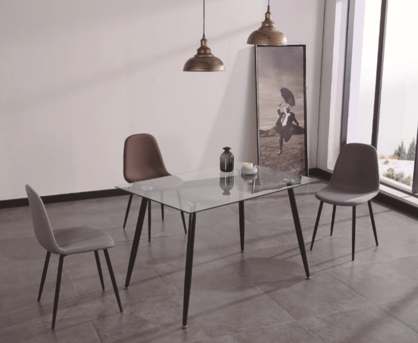Mesa Suecia - Mesa Suecia de cristal, de comedor, patas de metal en color negro.