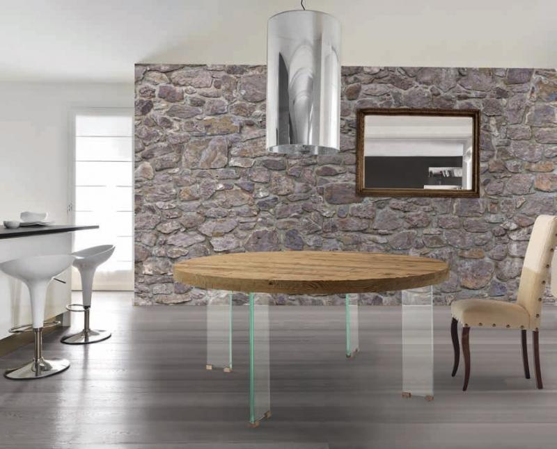 Mesa de comedor redonda con tapa de robre viejo y patas de cristal - Mesa de comedor redonda con tapa de robre viejo, acabado erosionado y patas de cristal