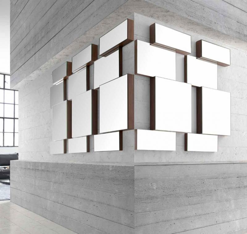 Espejo mural Cube - Espejo mural lacado o acabado nogal. Dimensiones 55x6x95h cm