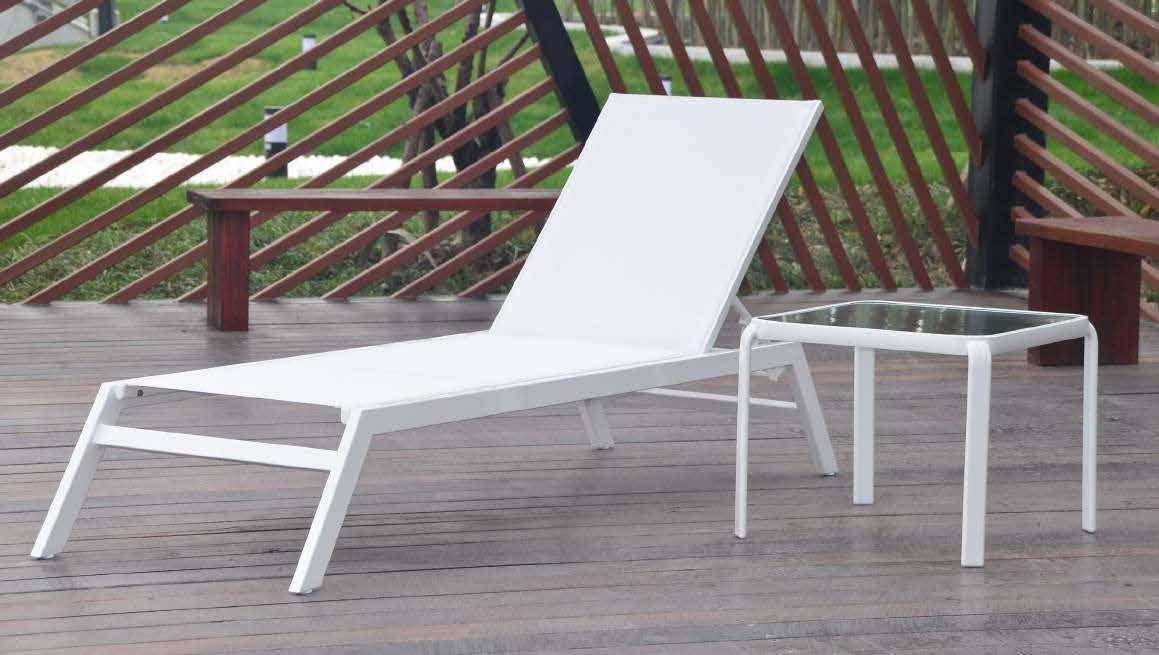 TUMBONA MORAIRA - Tumbona de 5 posiciones. Aluminio y textilene blancos