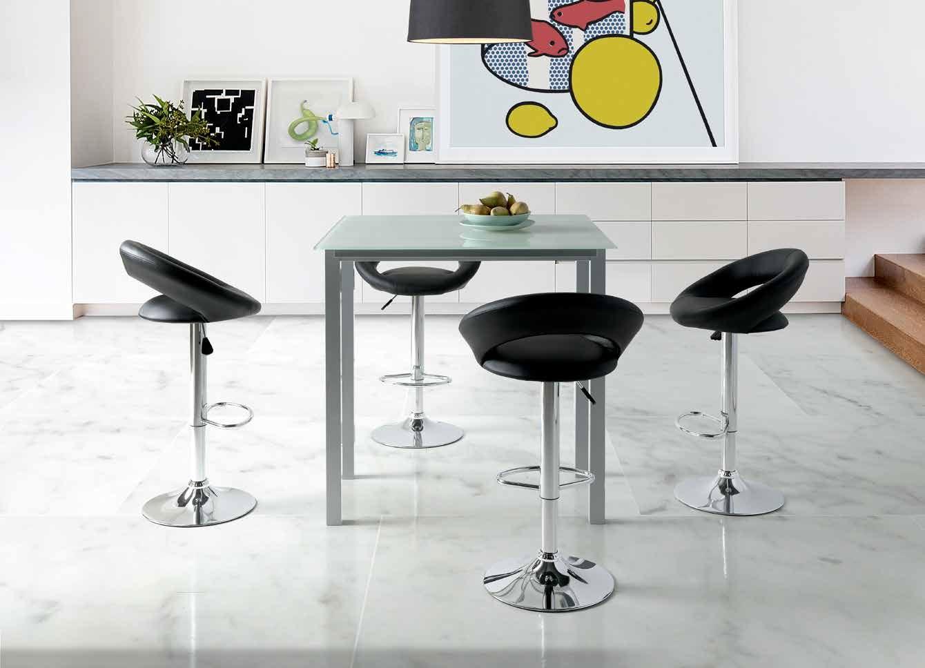 MESA DE COCINA EXTENSIBLE LEIRIA - Mesa de cocina extensible. Estructura y pies metálicos acabados en gris plata con sobre y dos alas laterales en vidrio de 8 mm.