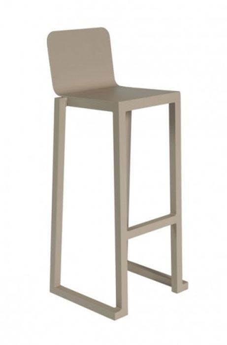 TABURETE BARCINO - Taburete apilable para uso interior y exterior. Estructura, asiento y respaldo de aluminio anodizado pintado por pulverización y secado al horno.