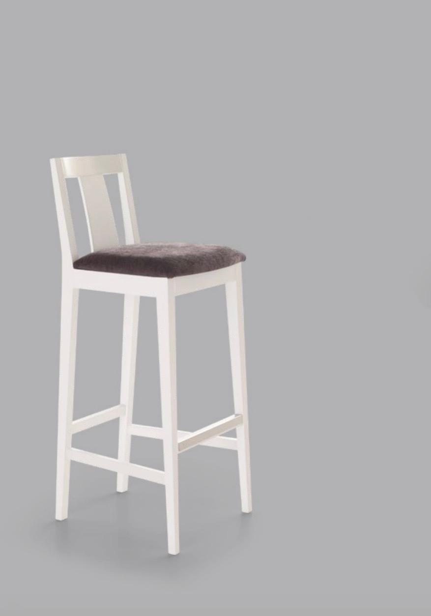 Taburete Berna moderno - Taburete Berna, estructura de madera y opción de tapizado.