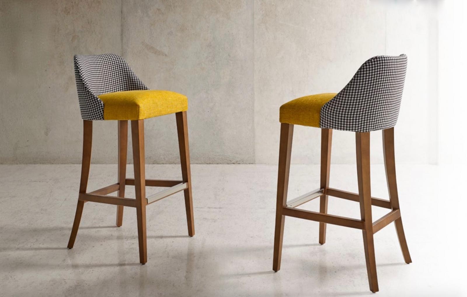 Taburete Florida moderno - Taburete Florida, silla alta con un tapizado de excelente calidad y madera de haya.  Moderno y cómodo.