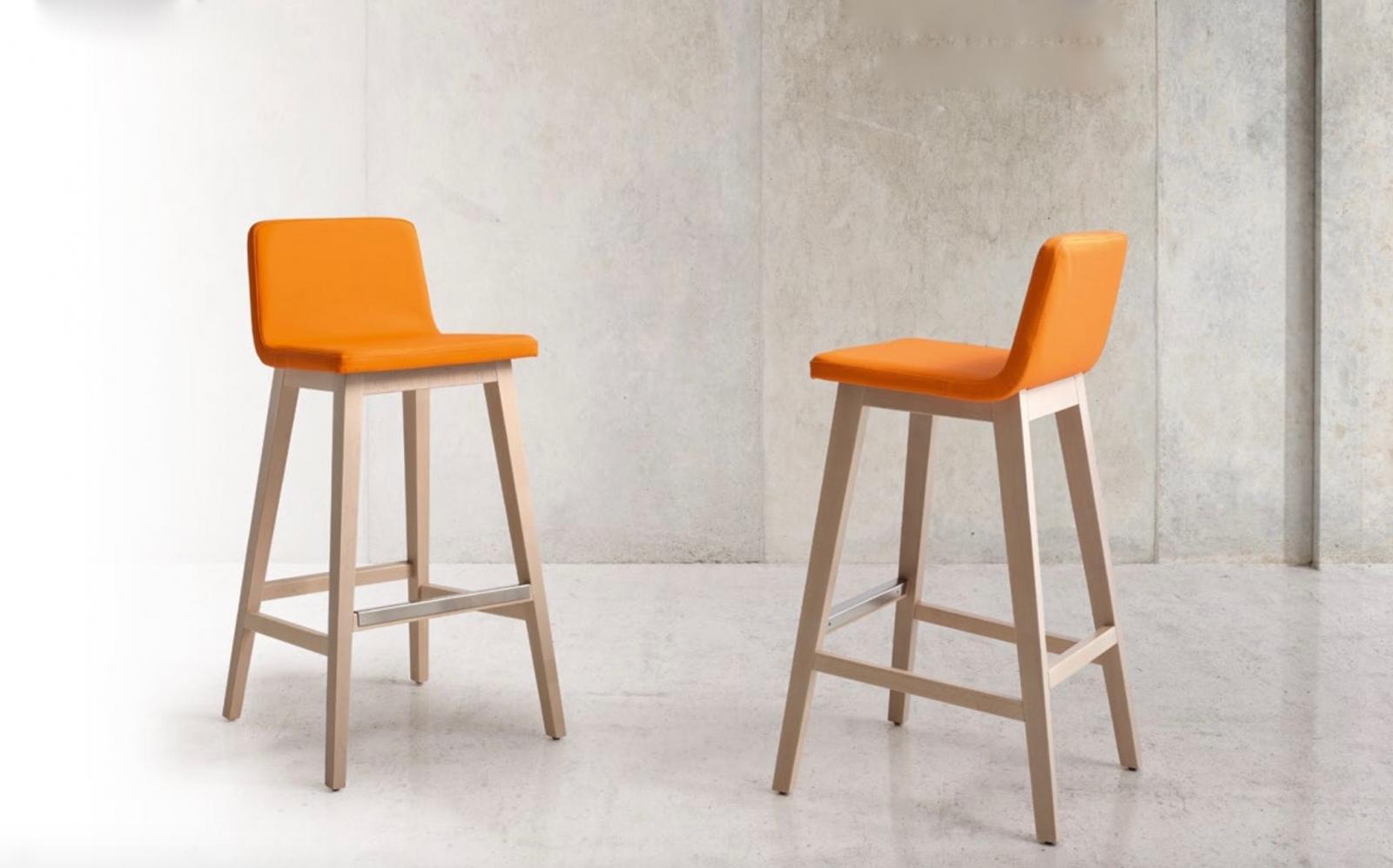 Taburete alto con respaldo y sillas altas de cocina