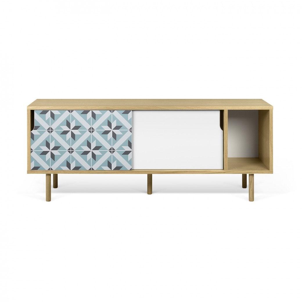 Aparador o mesa de TV Dann - Star - Aparador o mesa de TV Dann - Star, Dos gabinetes de mesa de TV enchapados con una puerta blanca y un patrón de vinilo de colores aplicados en la otra, y un compartimiento de almacenamiento extra abierto.