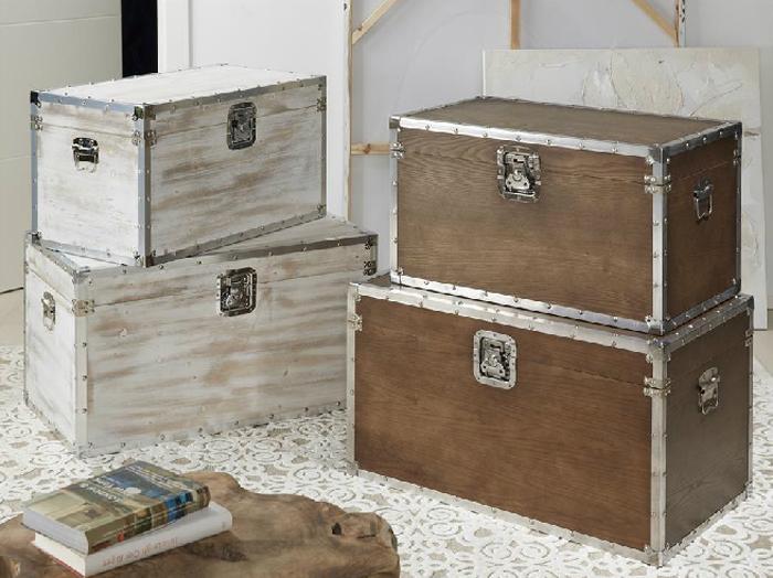 Baul de madera con herrajes mia home for Herrajes para muebles de madera