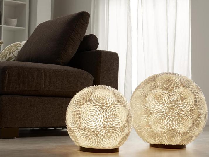 Lámpara forma de bola suelo