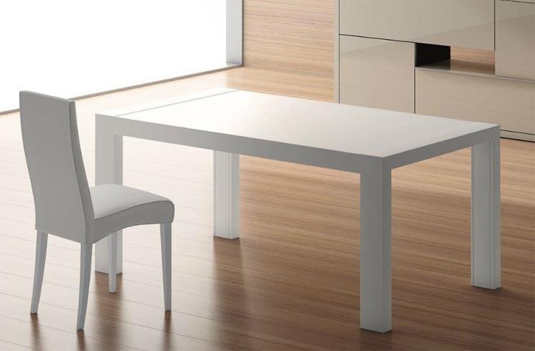 Mesa lacada blanca de comedor for Mesa cocina blanca