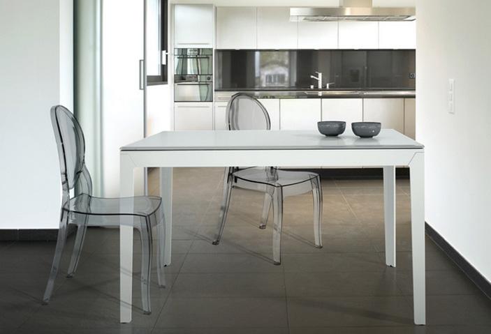 Mesa extensible moderna de cocina