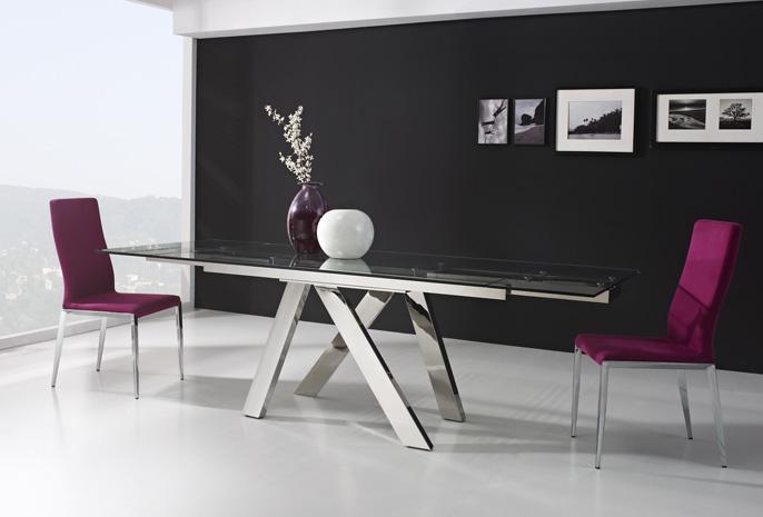 Mesa extensible patas cromadas for Adornos mesa comedor cristal