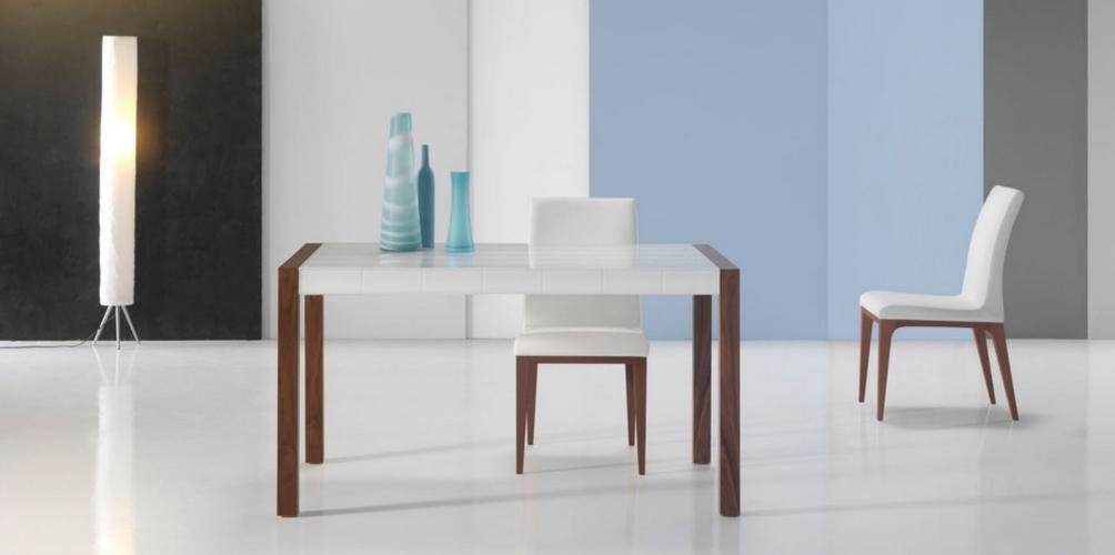 Mesa de comedor extensible con tapa de cristal sevilla for Mesas comedor sevilla