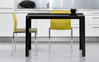 Mesa de cocina extensible.