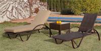 Camas reclinables y mesa auxiliar para exteriores BENASAL - Tumbonas con respaldo reclinable y mesa auxiliar para exteriores. Modelo Olympia