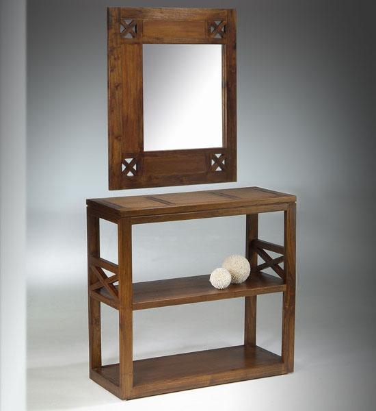 Recibidor estilo colonial con espejo