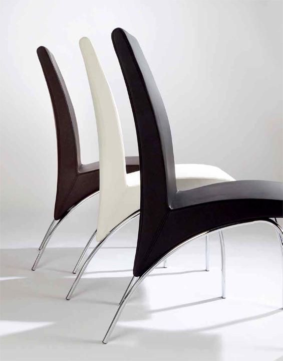 Sillas comedor blancas modernas silla capitone tapizada for Sillas blancas modernas para comedor
