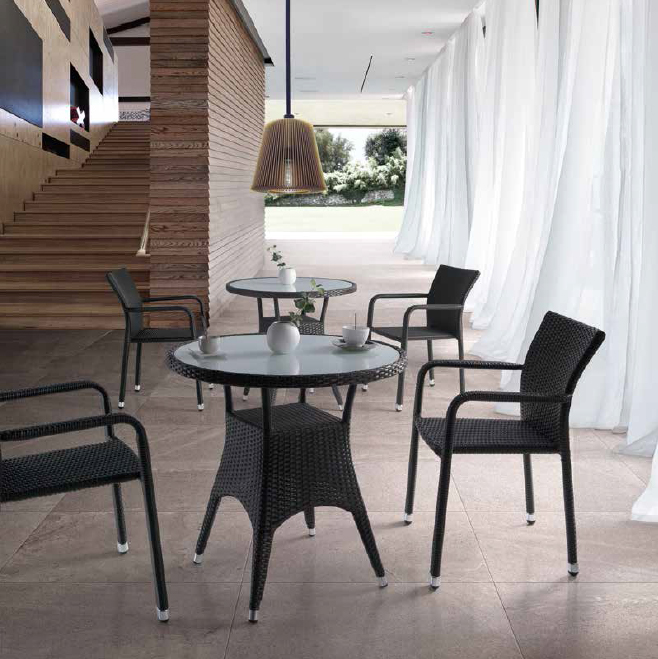 Mesa Gimli o sillón Coco para exteriores  - Mesa Gimli y sillón Coco para exteriores, estructura aluminio y Ratán