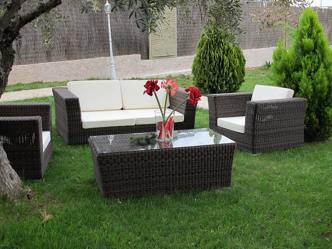 Sof s con estructura de aluminio en oferta badalona terrassa for Ofertas en muebles de terraza y jardin